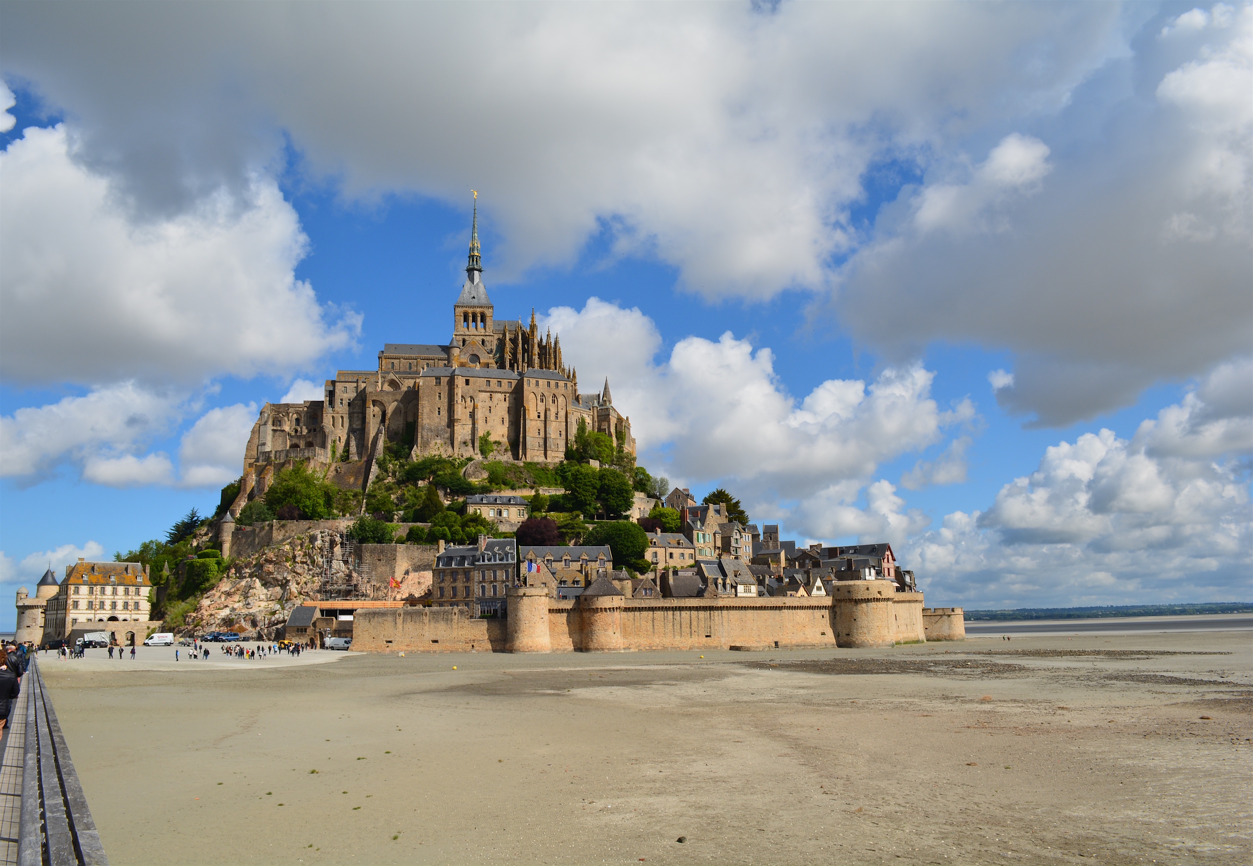 Le Mont Saint Michel   Magical and Picturesque Island at France's Normandy Coast