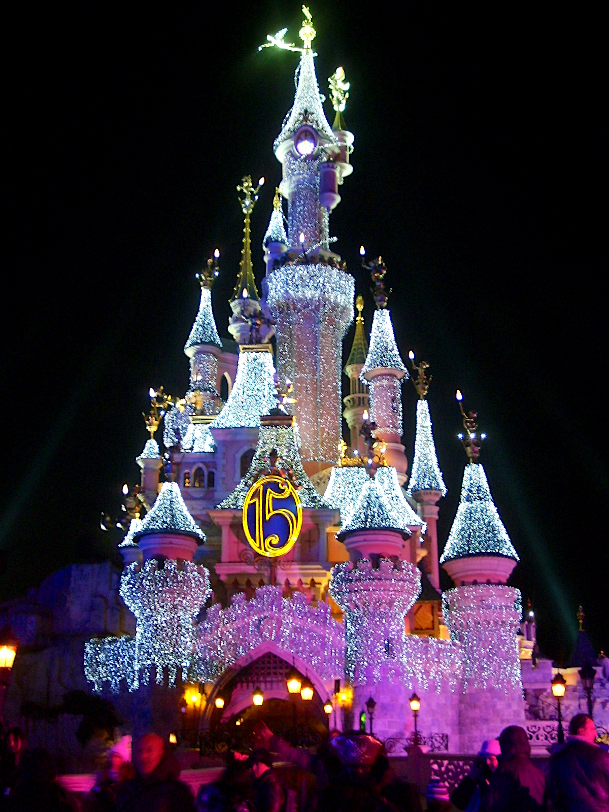 disneyland paris christmas decorations